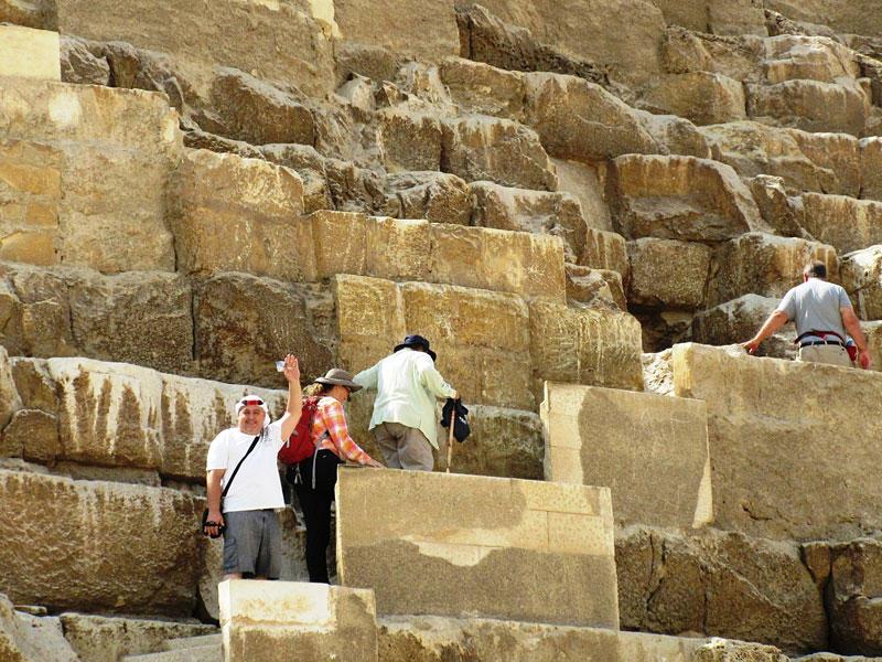 VLOG #4 November Day at the Pyramids